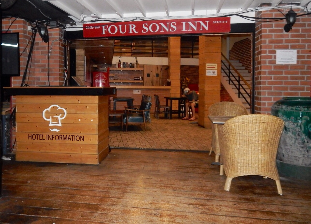 Four Sons Inn in Bangkok